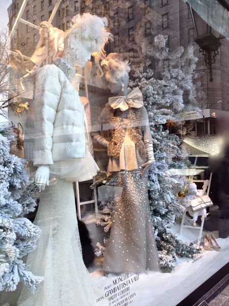 EAB DESIGNS NYC holiday windows 4