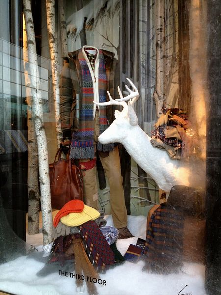 EAB DESIGNS NYC Holiday windows 8