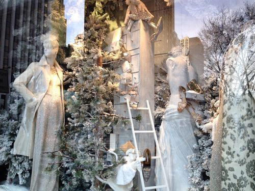 EAB DESIGNS NYC holiday windows 2