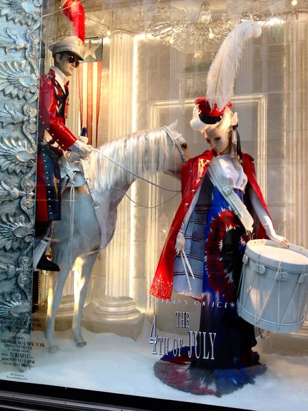 EAB DESIGNS NYC holiday windows 5