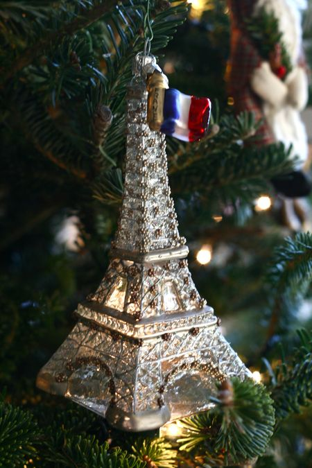 EAB DESIGNS paris ornament 2