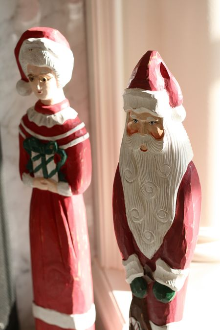 EAB DESIGNS carved Santa
