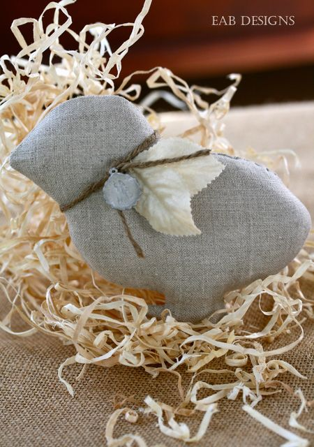 EAB DESIGNS linen easter chick