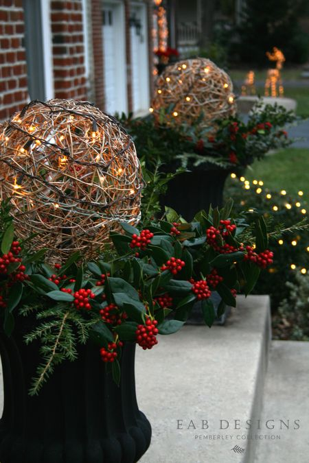 EAB DESIGNS Christmas Urns